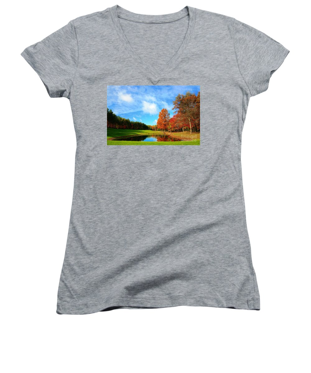 Golf Women's V-Neck (Athletic Fit) featuring the photograph 18th Hole Par3 by Robert Pearson