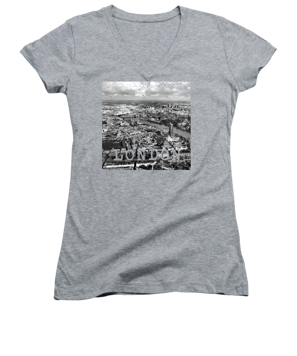 London Skyline Women's V-Neck T-Shirts