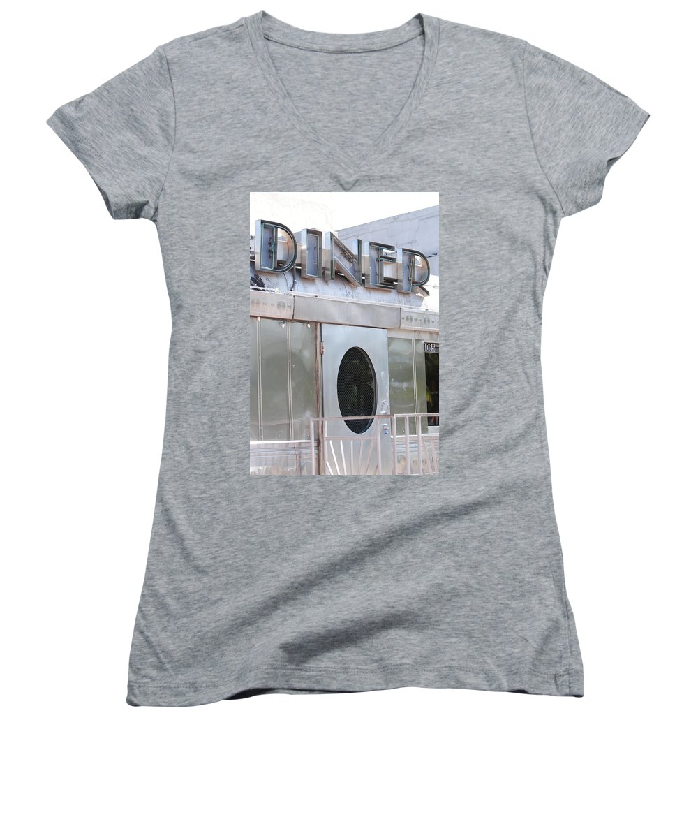 Architecture Women's V-Neck T-Shirt featuring the photograph Art Deco Diner by Rob Hans