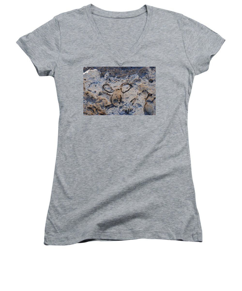 Ocean Women's V-Neck (Athletic Fit) featuring the photograph Carved Catface by Rob Hans