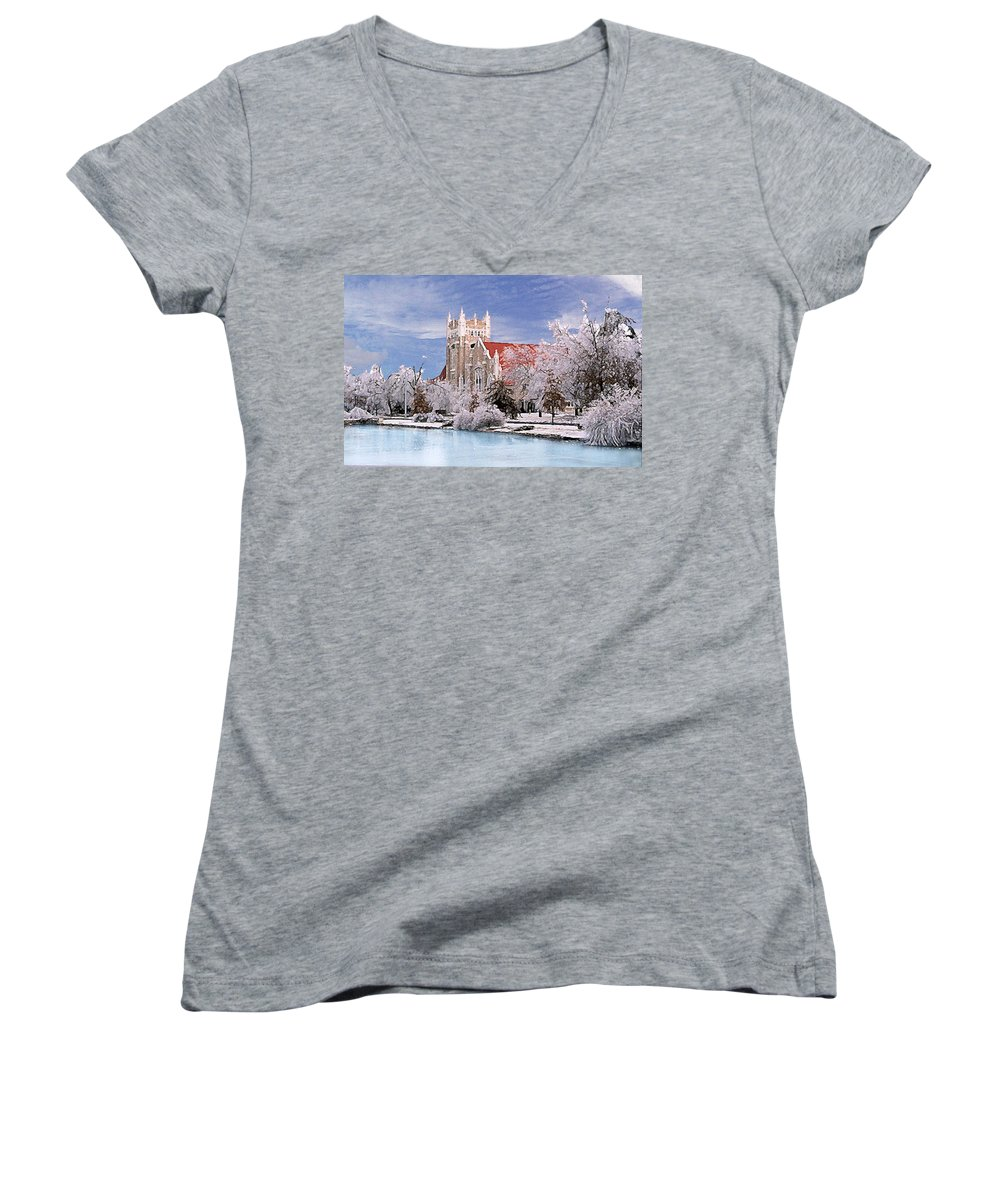 Winter Women's V-Neck T-Shirt featuring the photograph Country Club Christian Church by Steve Karol