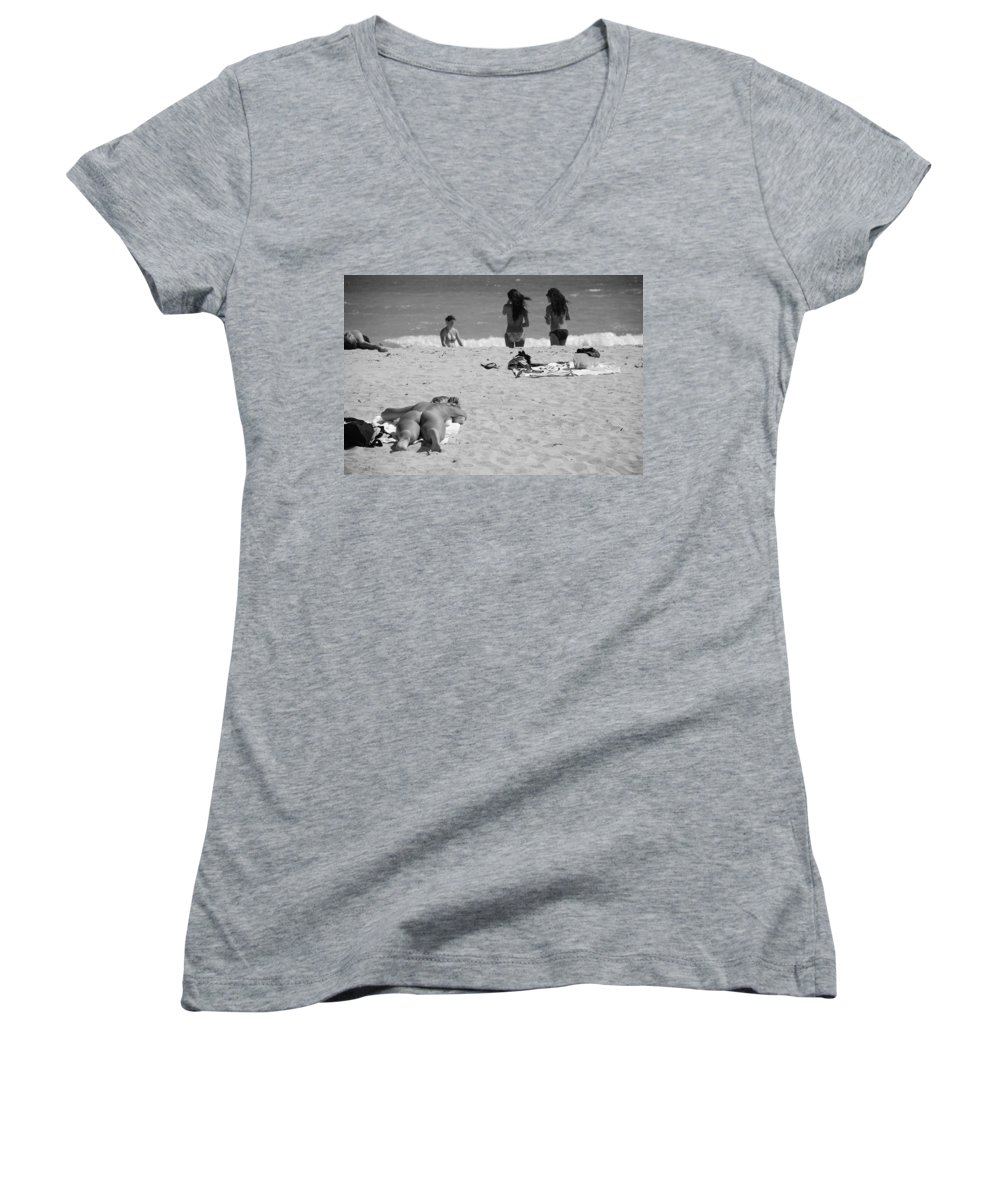 Miami Women's V-Neck (Athletic Fit) featuring the photograph Half Dead Half Alive by Rob Hans