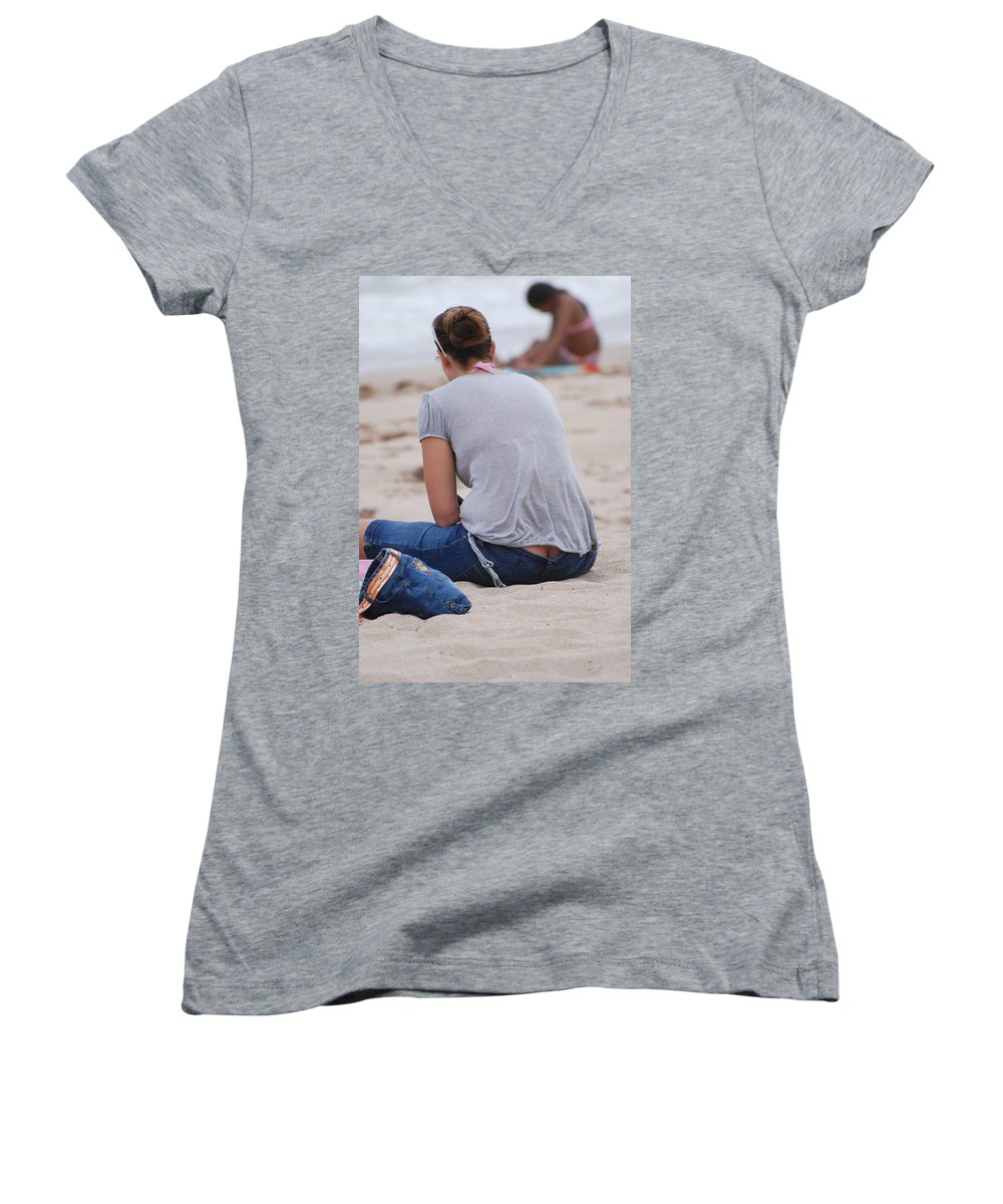 Girl Women's V-Neck (Athletic Fit) featuring the photograph Indiana Girl by Rob Hans
