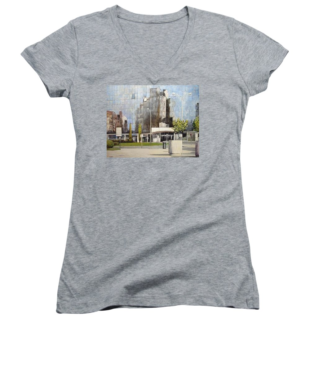 Leon Women's V-Neck T-Shirt featuring the painting Leon by Tomas Castano