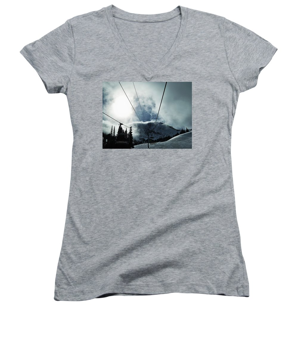 Landscape Women's V-Neck T-Shirt featuring the photograph Rise To The Sun by Michael Cuozzo
