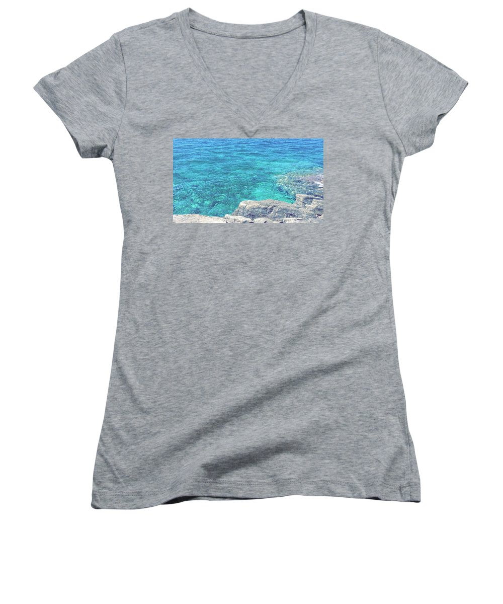 Landscapes Women's V-Neck T-Shirts