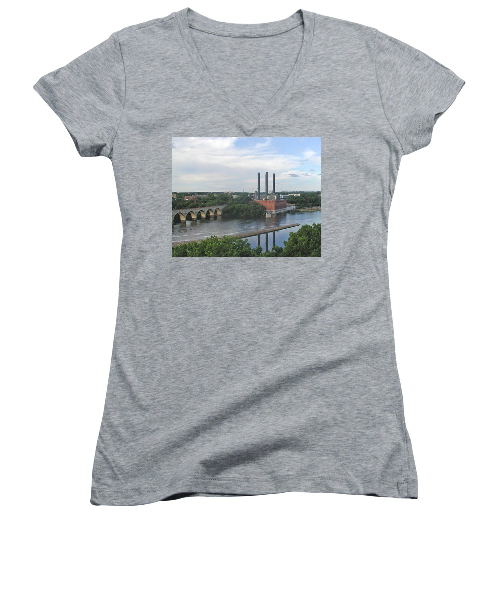 Minneapolis Women's V-Neck T-Shirt featuring the photograph Smokestacks On The Mississippi by Tom Reynen