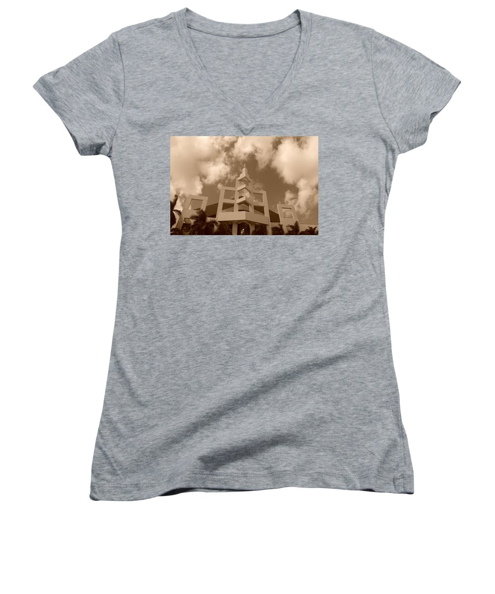 Architecture Women's V-Neck T-Shirt featuring the photograph Squares In The Sky by Rob Hans