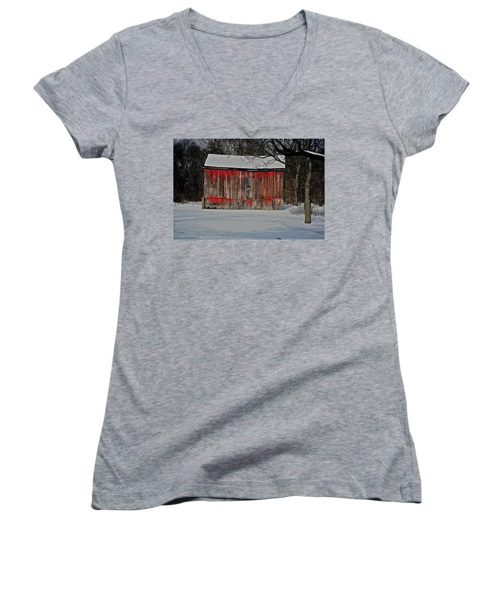 Old Women's V-Neck (Athletic Fit) featuring the photograph The Old Weathered Barn by Robert Pearson