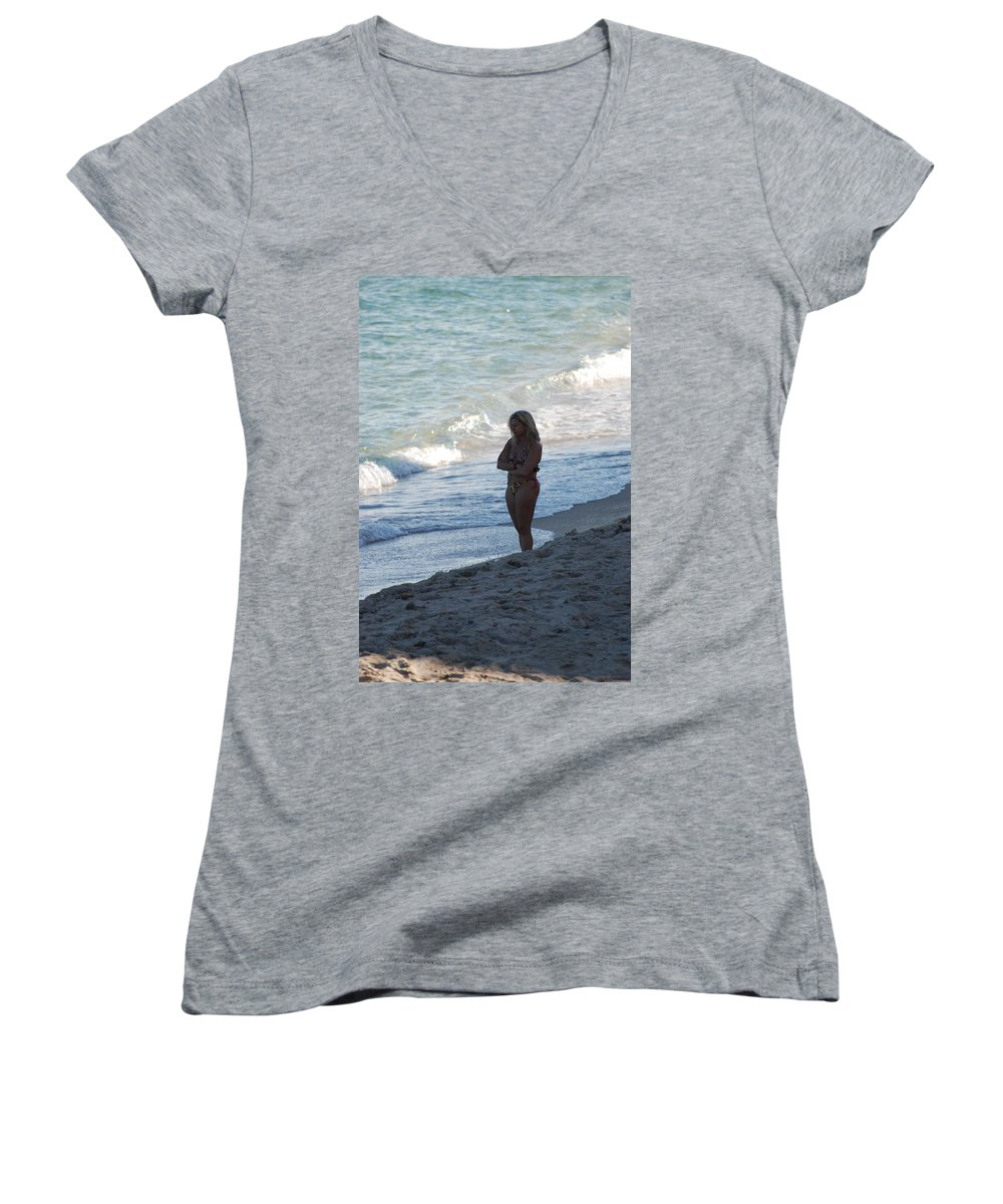 Sea Scape Women's V-Neck (Athletic Fit) featuring the photograph The Thinking Women by Rob Hans