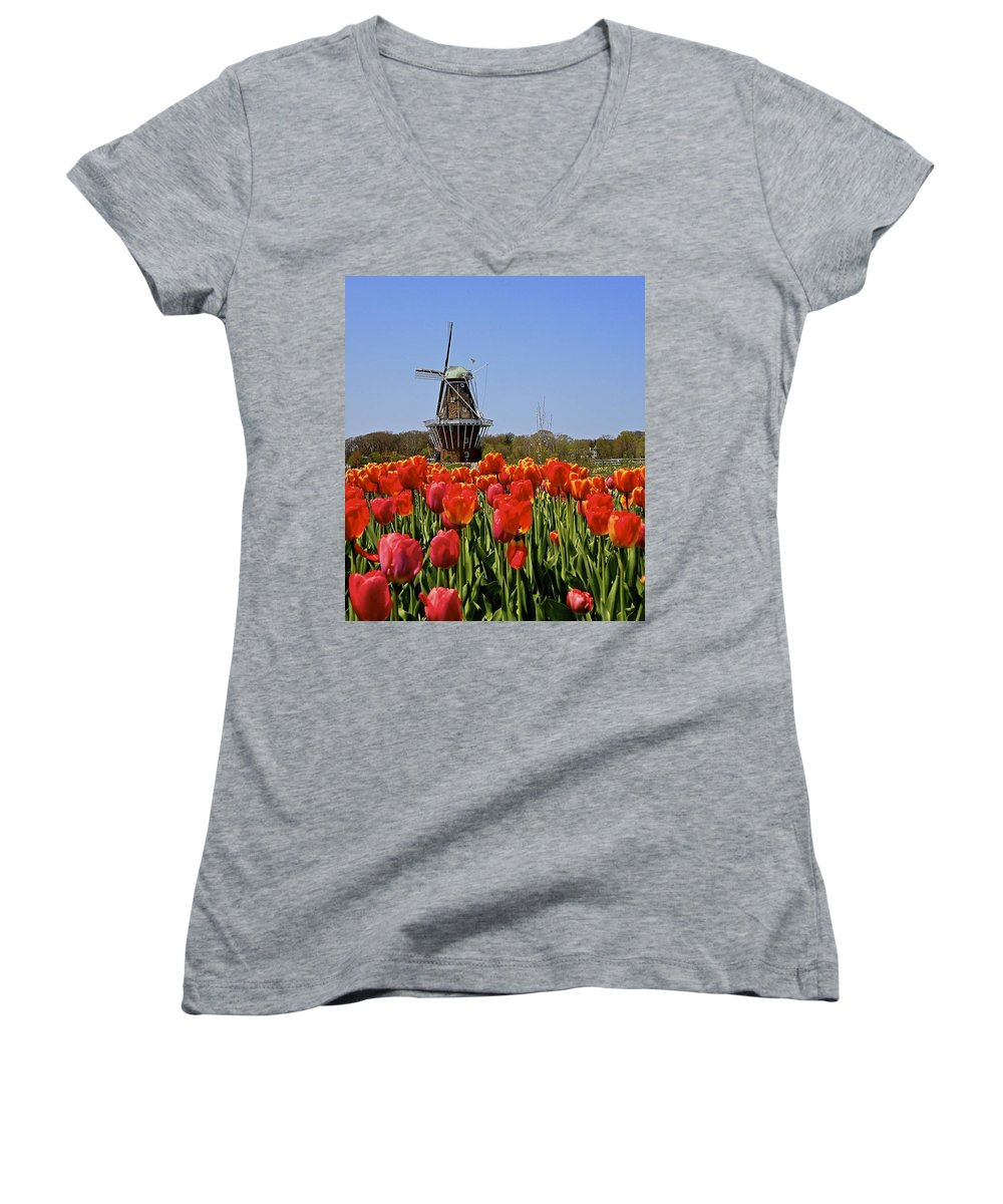 Tulips Women's V-Neck T-Shirt featuring the photograph Two Lips by Robert Pearson