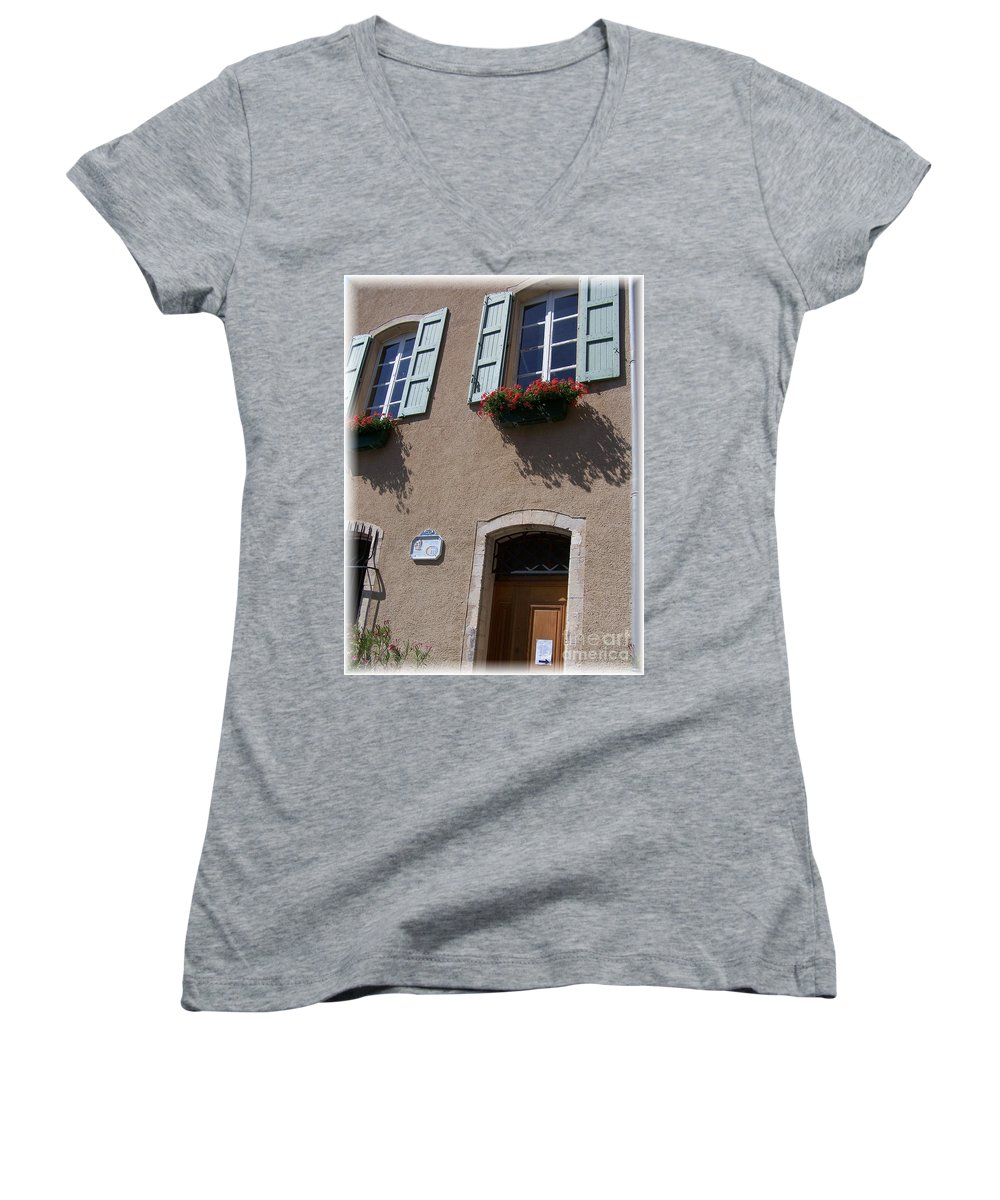 House Women's V-Neck T-Shirt featuring the photograph Un Maison by Nadine Rippelmeyer