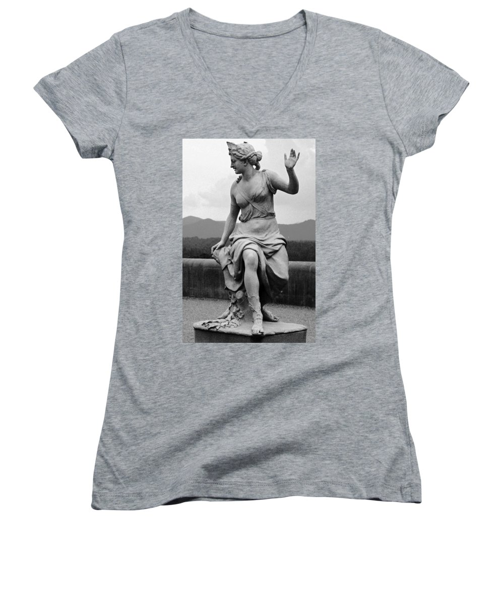 Figurative Women's V-Neck T-Shirt featuring the photograph Woman Sculpture Nc by Eric Schiabor