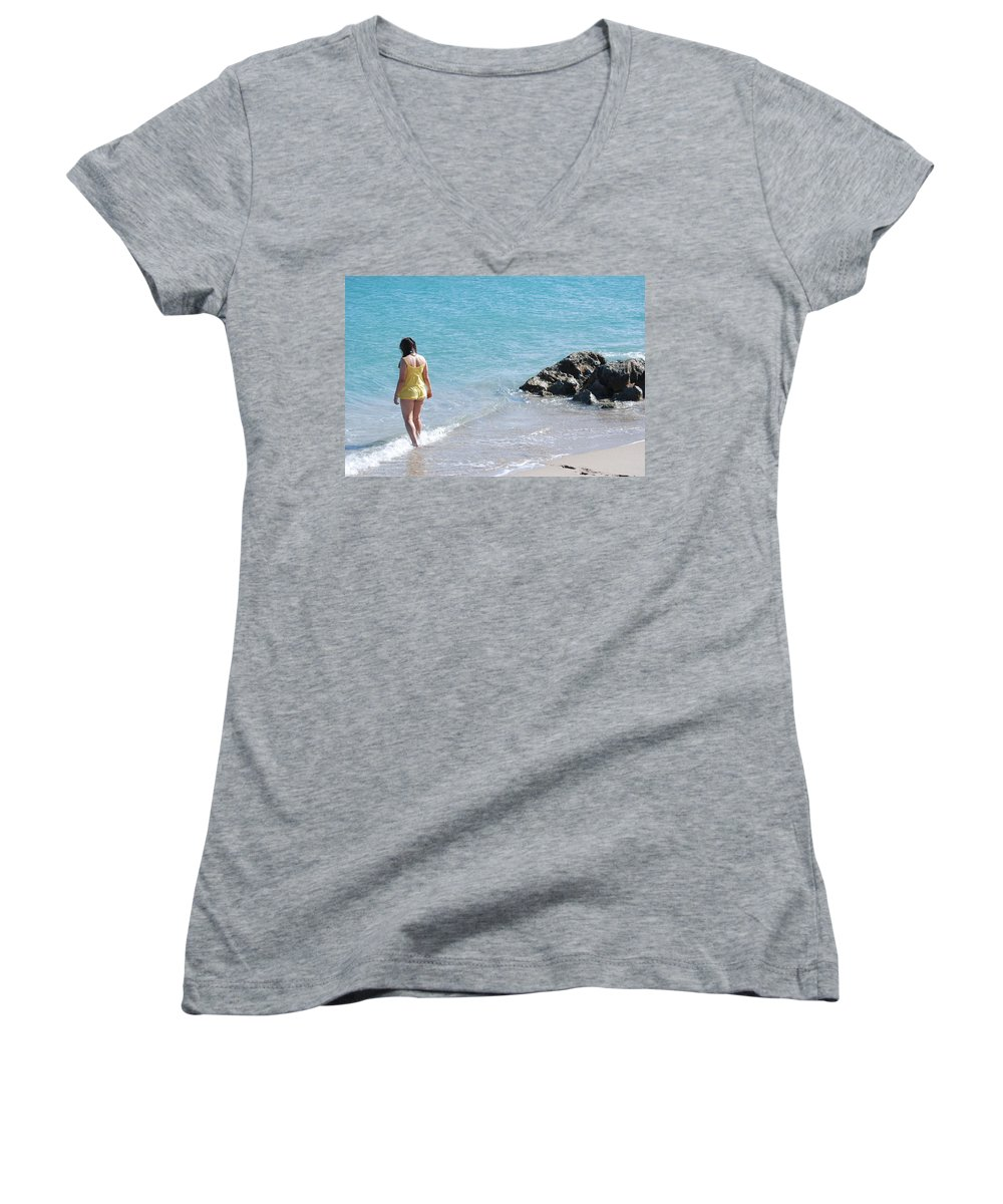 Sea Scape Women's V-Neck T-Shirt featuring the photograph Yellow And Blue by Rob Hans