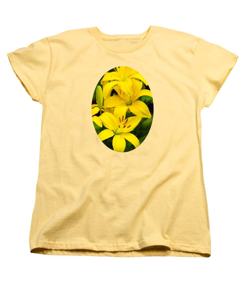 Lilies Women's T-Shirts