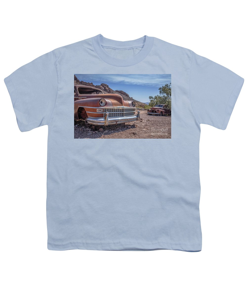 Cars Youth T-Shirt featuring the photograph Abandoned Cars In The Desert by Edward Fielding