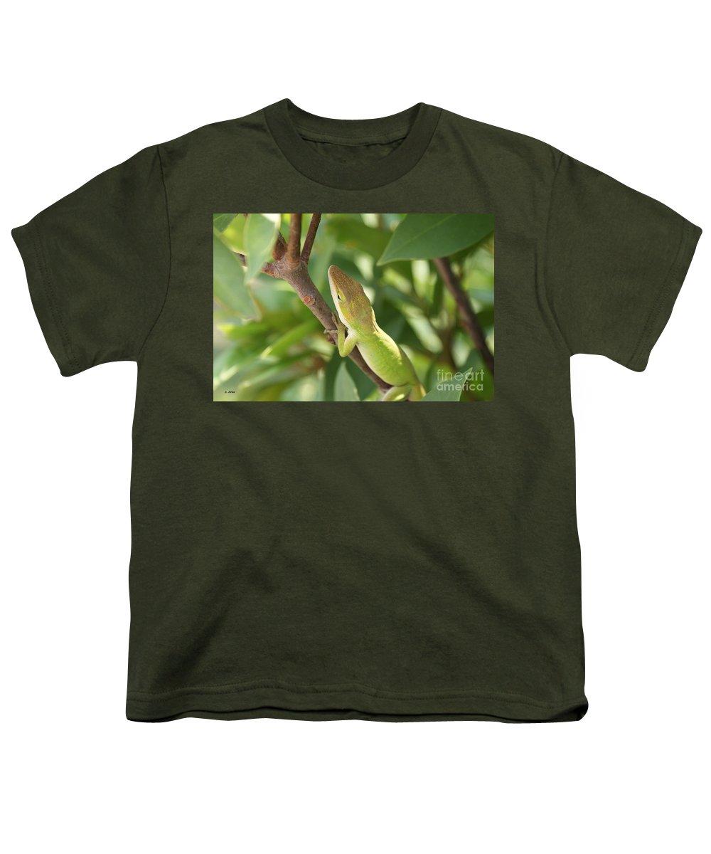 Lizard Youth T-Shirt featuring the photograph Blusing Lizard by Shelley Jones