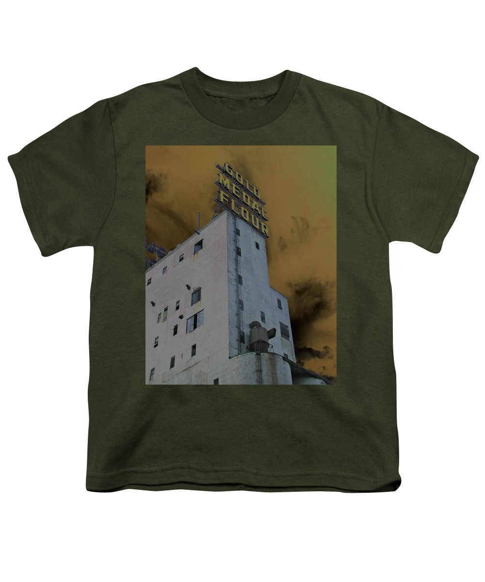 Minneapolis Youth T-Shirt featuring the photograph Gold Medal Flour by Tom Reynen