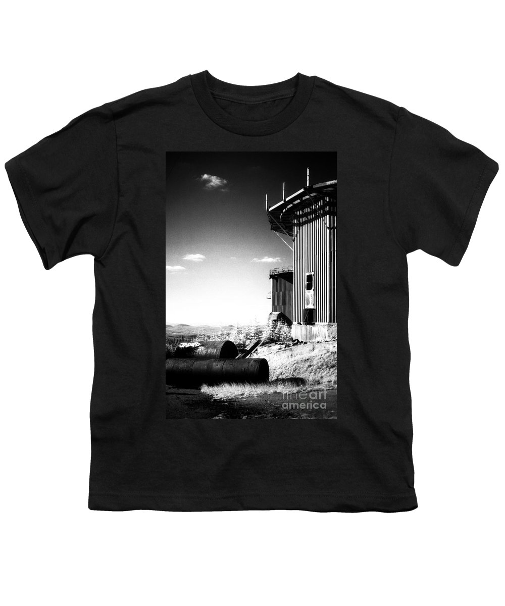 Abandoned Youth T-Shirt featuring the photograph Abandoned Radar by Richard Rizzo