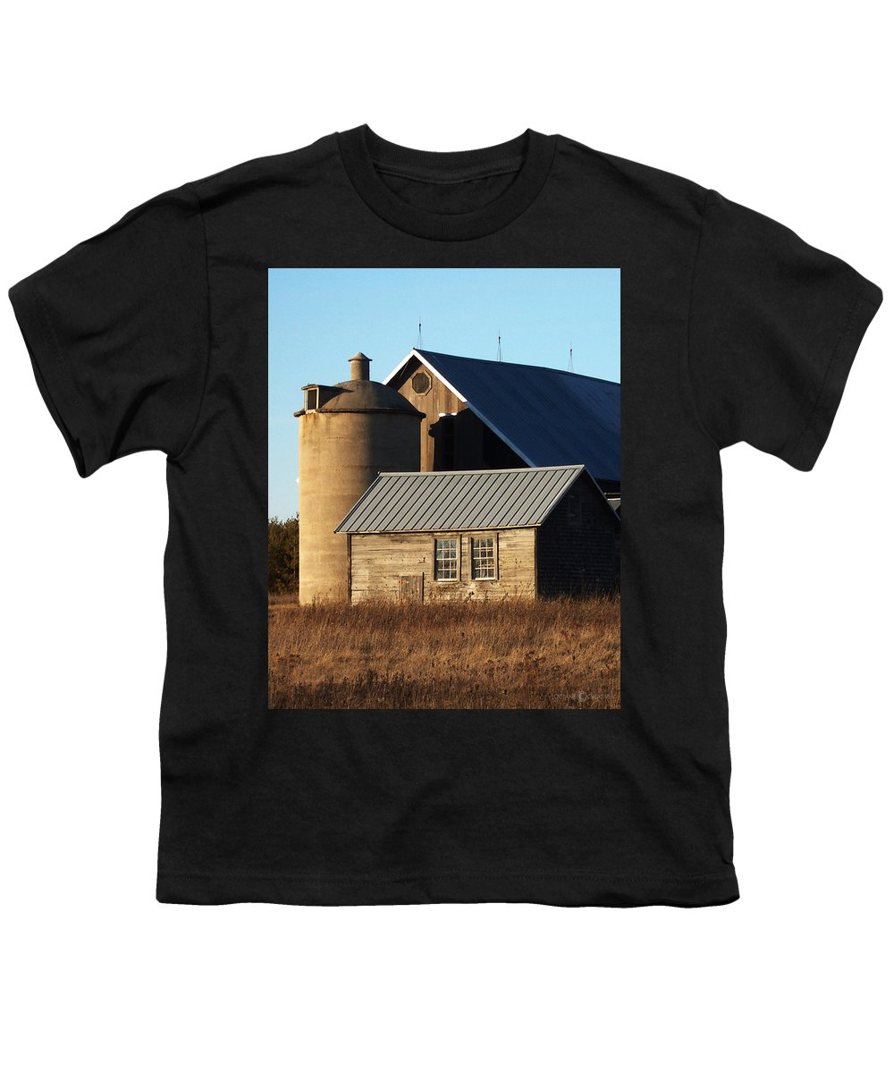 Barn Youth T-Shirt featuring the photograph Barn At 57 And Q by Tim Nyberg