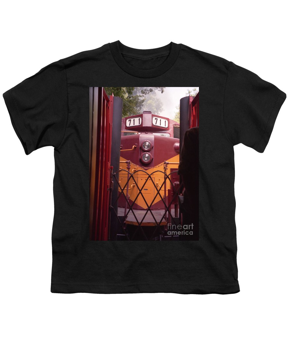 Trains Youth T-Shirt featuring the photograph Big Red by Richard Rizzo