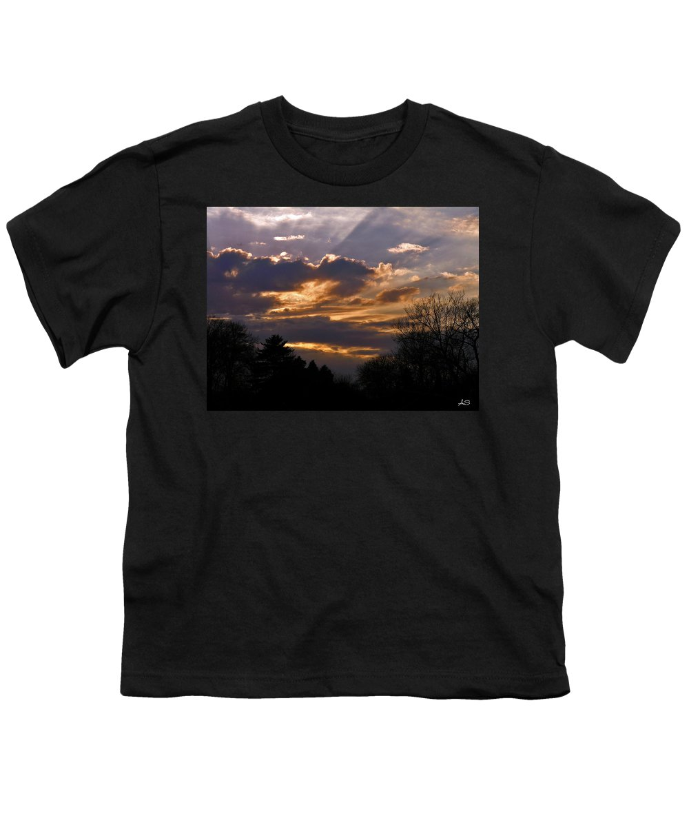 Cloud Youth T-Shirt featuring the photograph Crown Cloud by Albert Stewart