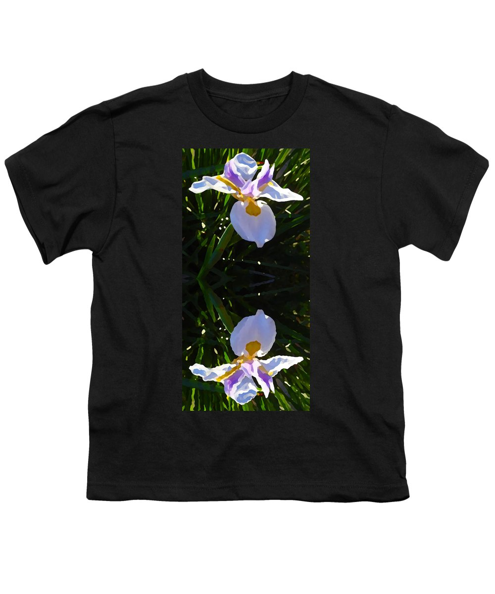 Daylily Youth T-Shirt featuring the painting Day Lily Reflection by Amy Vangsgard