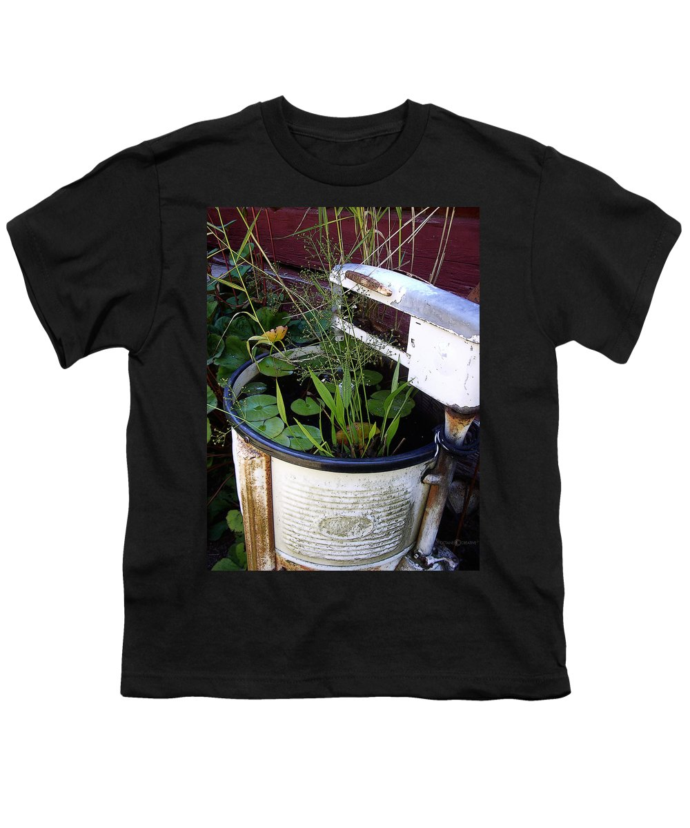 Wringer Youth T-Shirt featuring the photograph Dead Wringer by Tim Nyberg