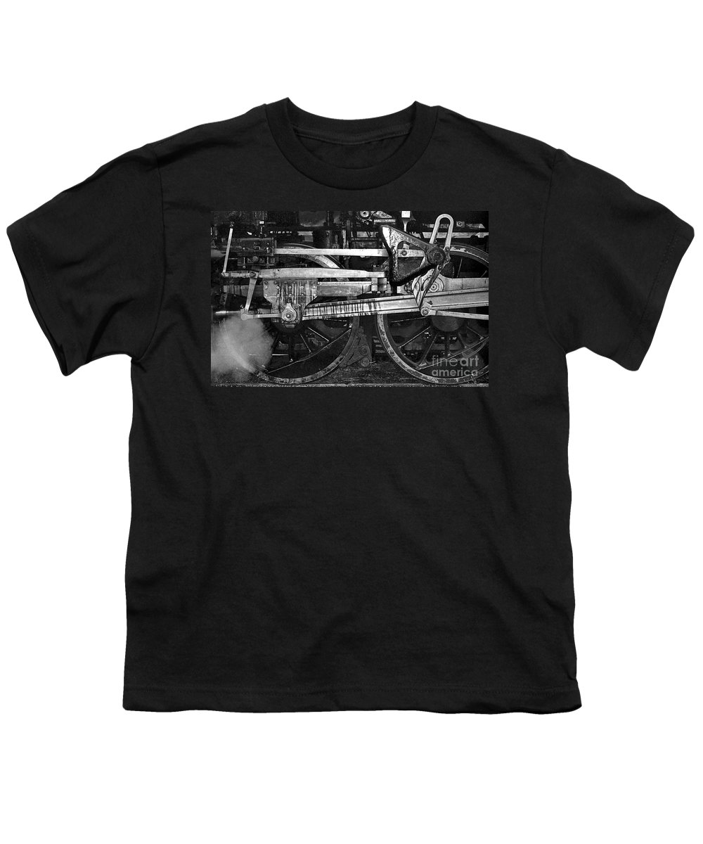 Trains Youth T-Shirt featuring the photograph Driving Wheels by Richard Rizzo