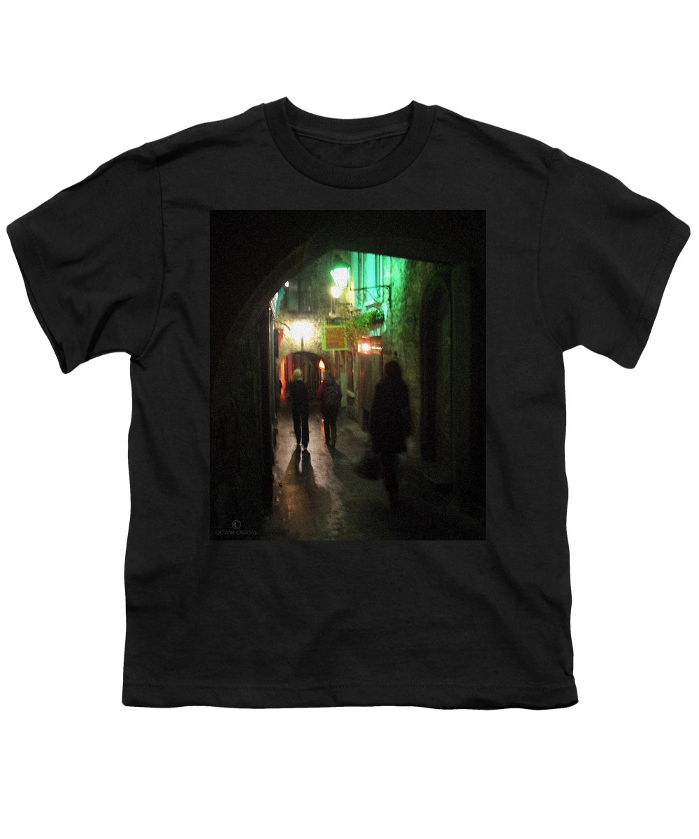 Ireland Youth T-Shirt featuring the photograph Evening Shoppers by Tim Nyberg