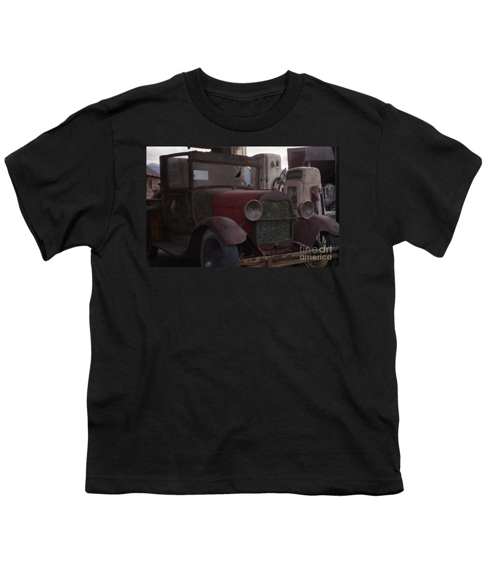 Gas Station Youth T-Shirt featuring the photograph Full Service by Richard Rizzo