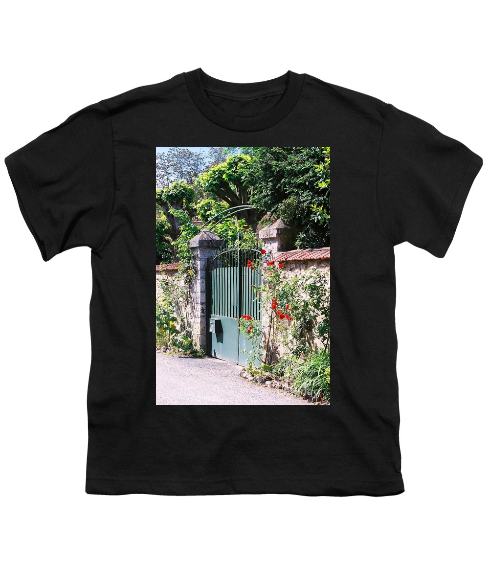 Giverny Youth T-Shirt featuring the photograph Giverny Gate by Nadine Rippelmeyer