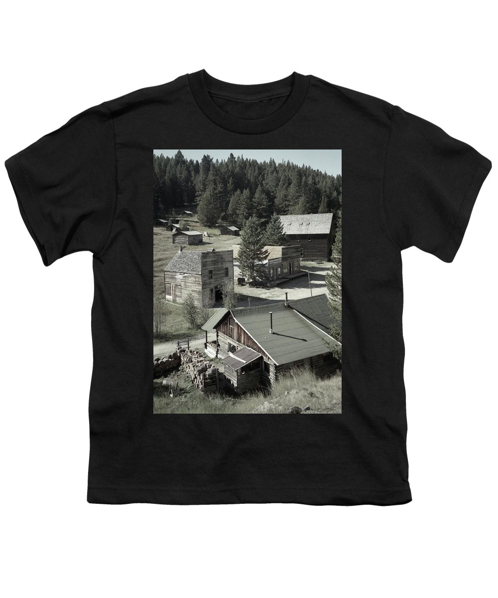 Ghost Towns Youth T-Shirt featuring the photograph Life In A Ghost Town by Richard Rizzo