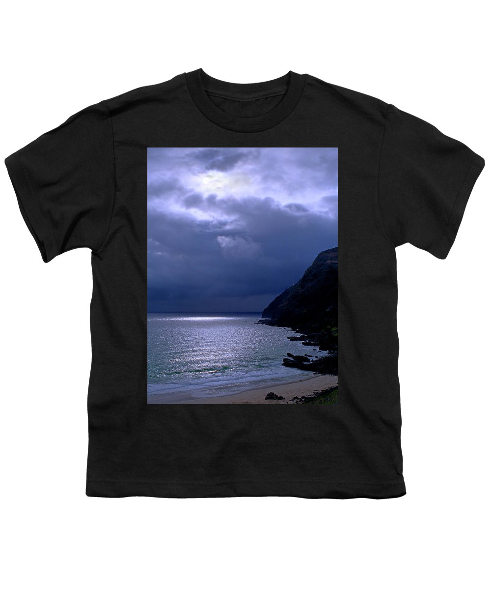 Makapuu Youth T-Shirt featuring the photograph Makapuu Moon by Kevin Smith