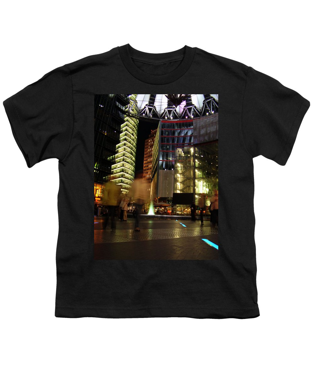 Sony Center Youth T-Shirt featuring the photograph Sony Center by Flavia Westerwelle