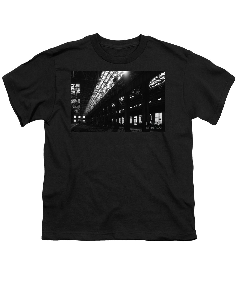 Buildings Youth T-Shirt featuring the photograph The Back Shop by Richard Rizzo