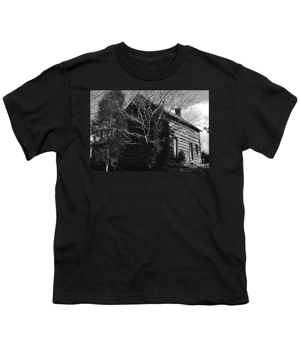 Cabins Youth T-Shirt featuring the photograph The Homestead by Richard Rizzo