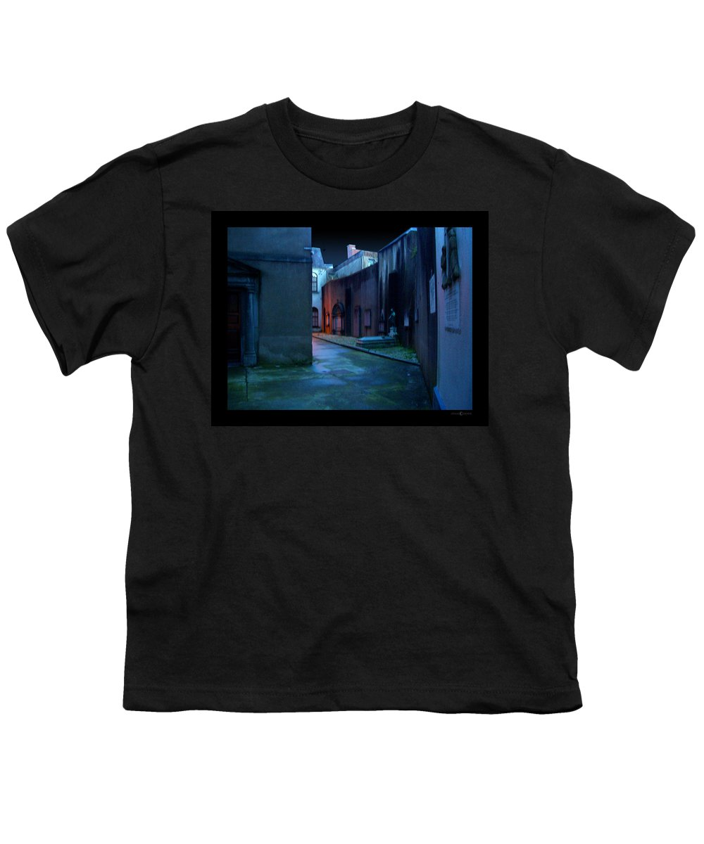 Waterford Youth T-Shirt featuring the photograph Waterford Alley by Tim Nyberg