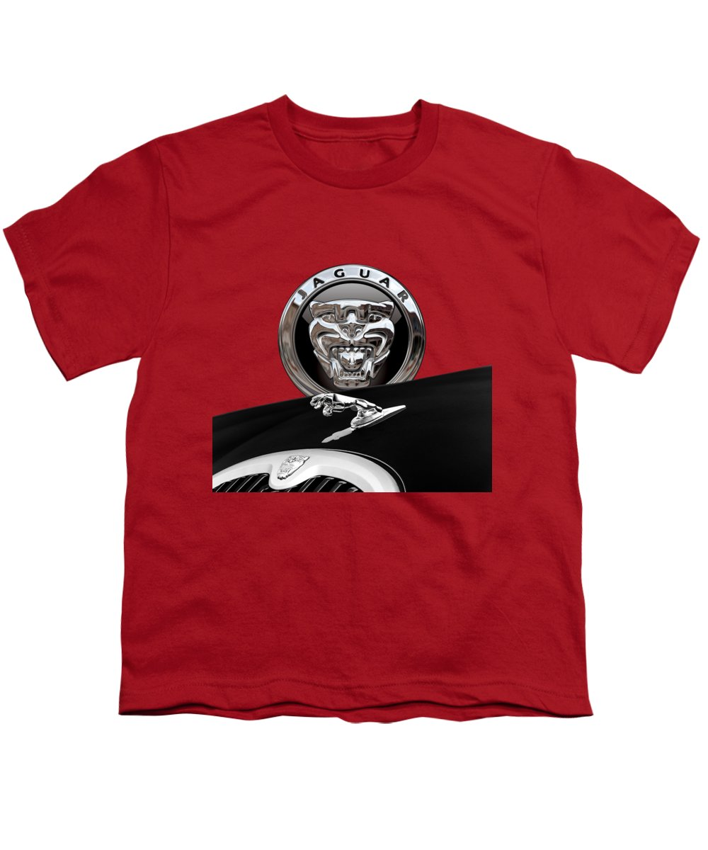 'auto Badges' Collection By Serge Averbukh Youth T-Shirt featuring the photograph Black Jaguar - Hood Ornaments And 3 D Badge On Red by Serge Averbukh