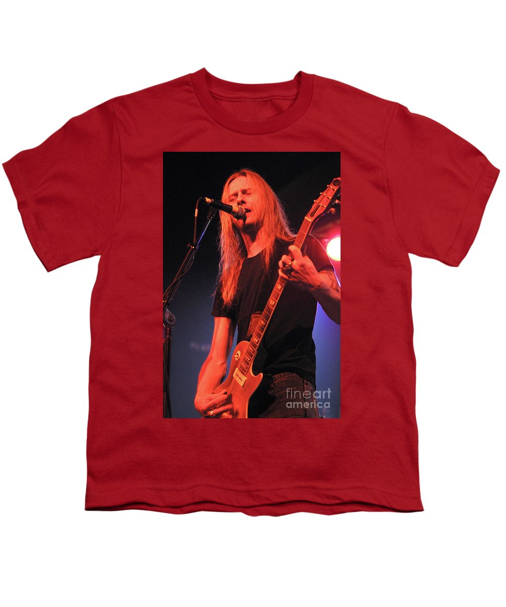 Alice In Chains Youth T-Shirt featuring the photograph Guitarist Jerry Cantrell by Concert Photos