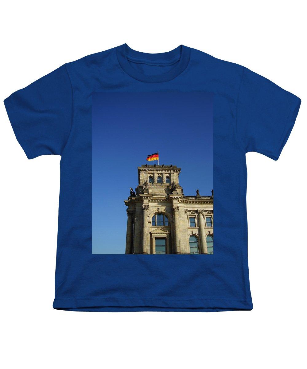 Deutscher Bundestag Youth T-Shirt featuring the photograph Deutscher Bundestag II by Flavia Westerwelle