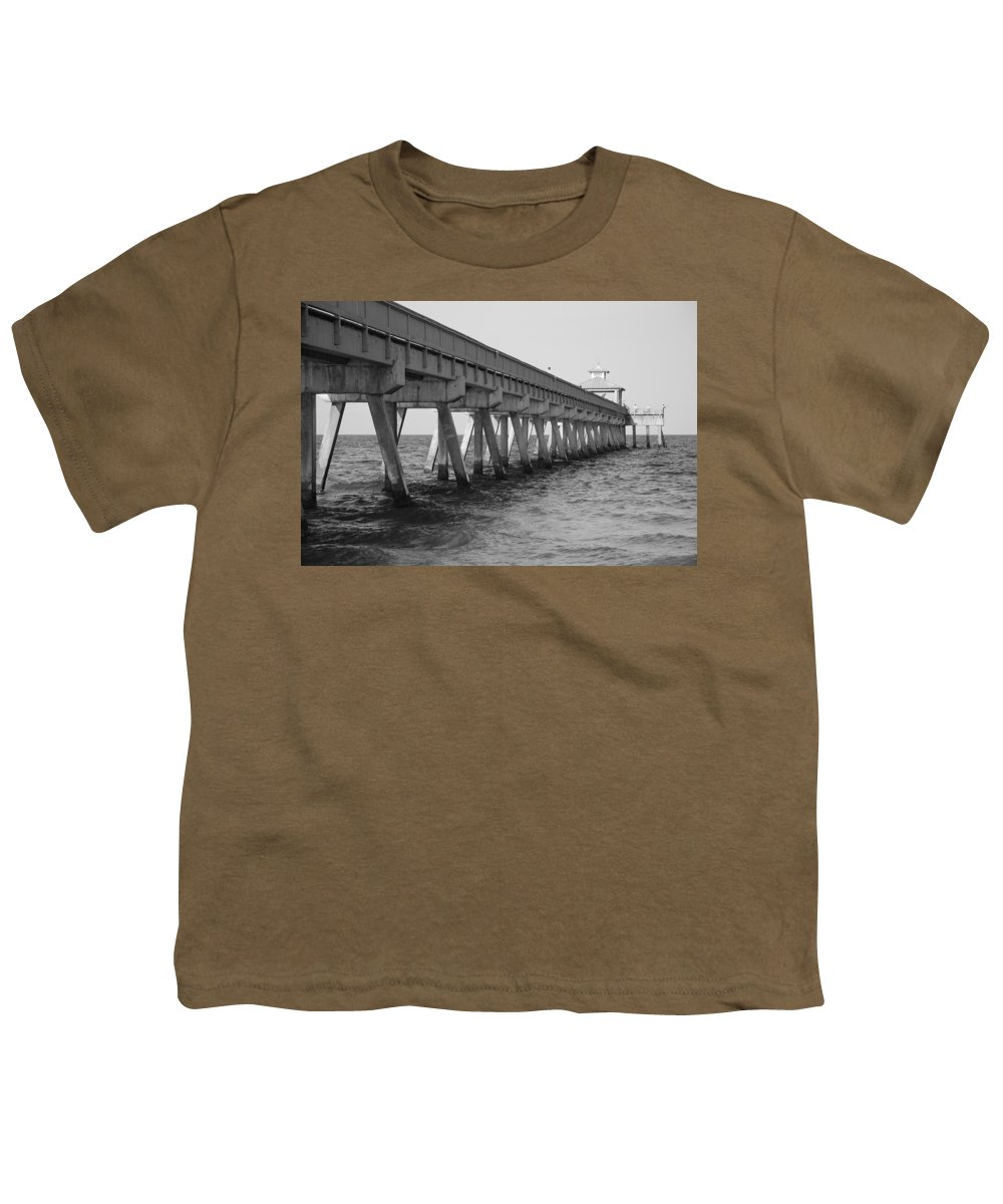 Architecture Youth T-Shirt featuring the photograph Deerfield Beach Pier by Rob Hans
