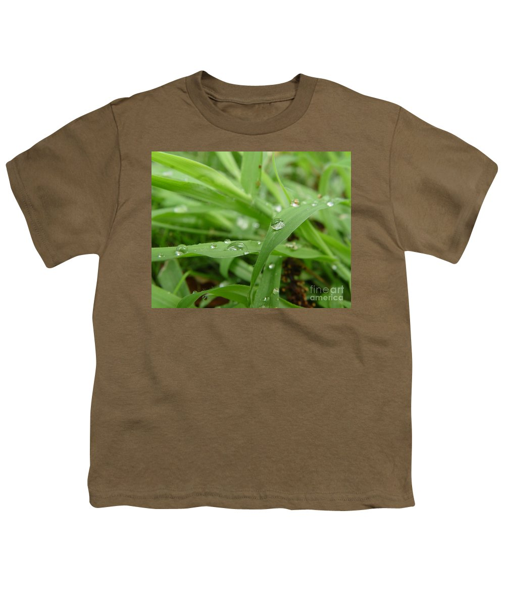 Water Droplet Youth T-Shirt featuring the photograph Droplets 02 by Peter Piatt