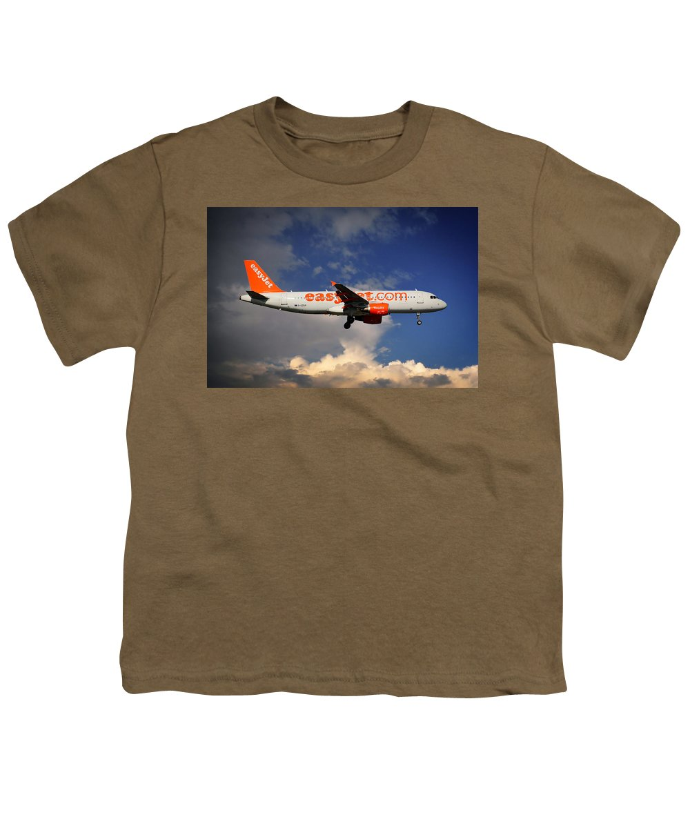 Easyjet Youth T-Shirt featuring the photograph Easyjet Airbus A320-214 by Smart Aviation
