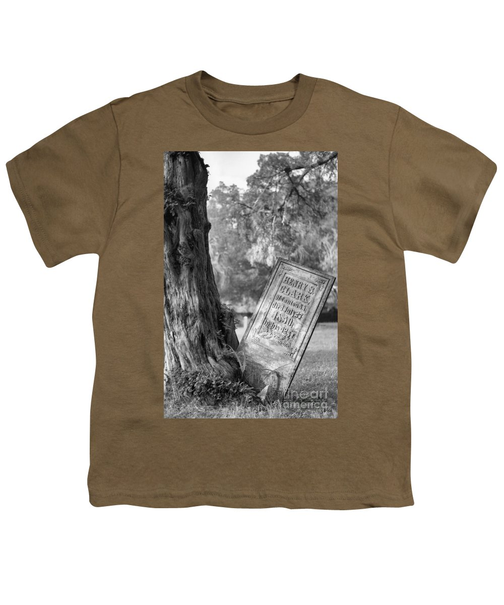 Graves Youth T-Shirt featuring the photograph Life After Death by Richard Rizzo
