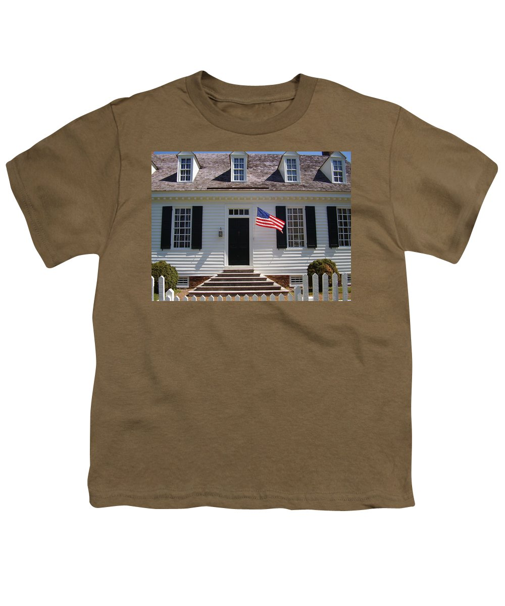 Yorktown Youth T-Shirt featuring the photograph Yorktown II by Flavia Westerwelle