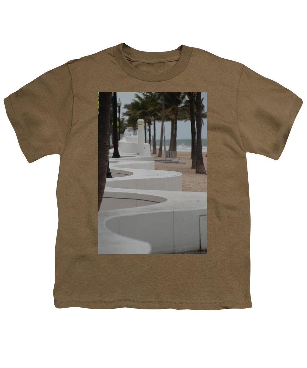 Pop Art Youth T-Shirt featuring the photograph Zig Zag At The Beach by Rob Hans