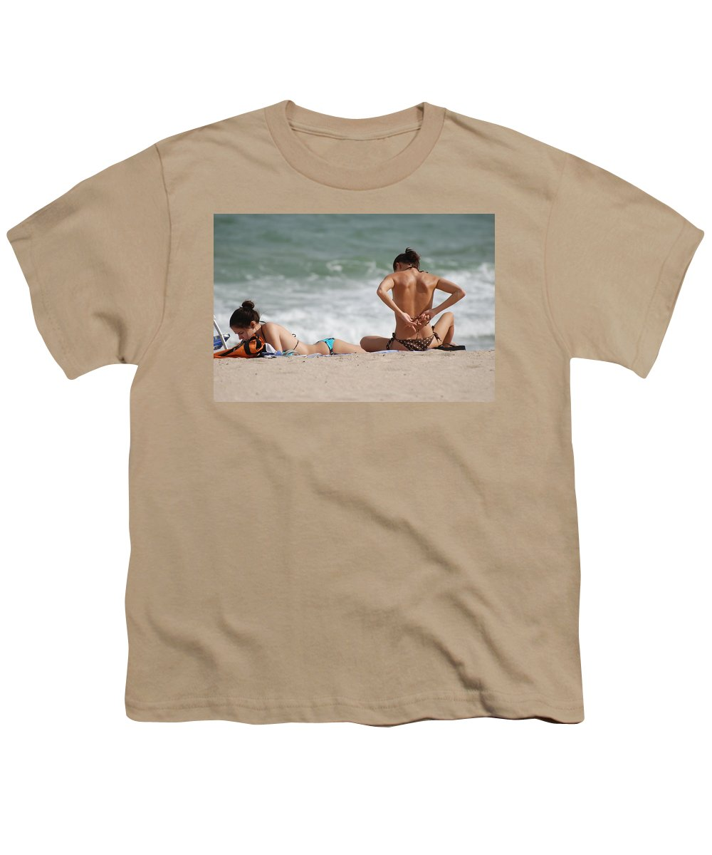 Sea Scape Youth T-Shirt featuring the photograph Reading And Bow Tie by Rob Hans