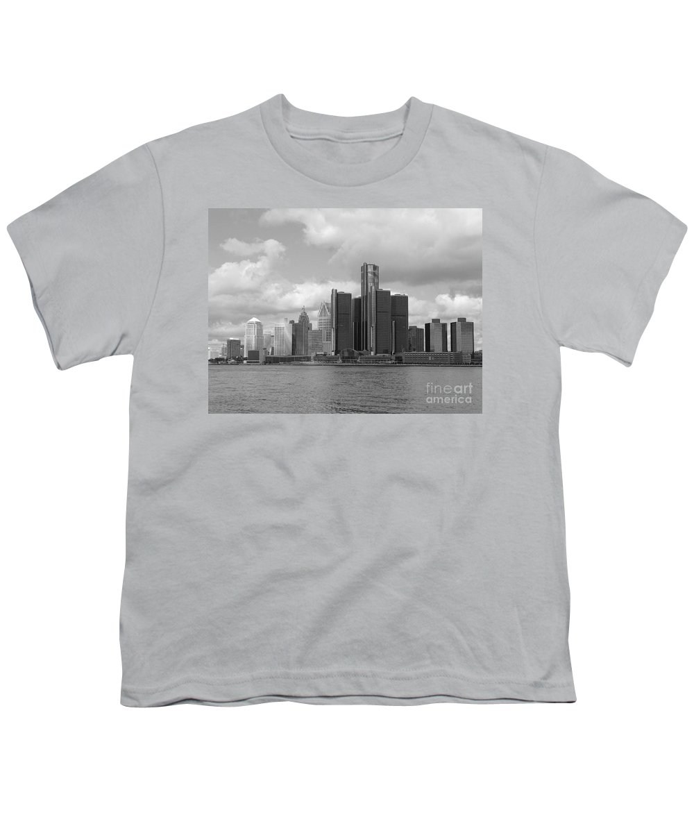 Detroit Youth T-Shirt featuring the photograph Detroit Skyscape by Ann Horn
