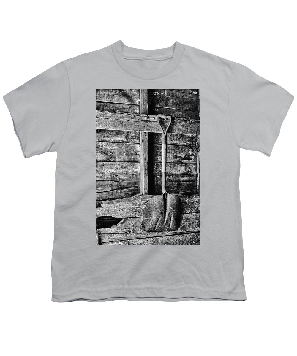 Tools Youth T-Shirt featuring the photograph Shovel by Nikolyn McDonald